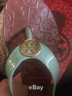 Brand New Tory Burch Thora Oceanic Green Gold Logo Sandal Flip Flops 7
