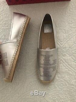 TORY BURCH PERFORATED LOGO ESPADRILLE SHOES Silver LEATHER Women Size 9 New