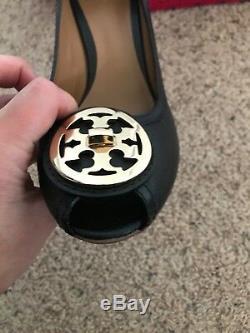 Tory Burch Black Pebbled Leather Wedge Heel Gold Reva Logo Size 8.5 Peep Toe