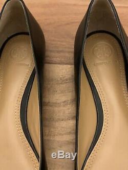 Tory Burch Gabriel Flats Black Leather Black Emblem Size 8M New And Never Worn