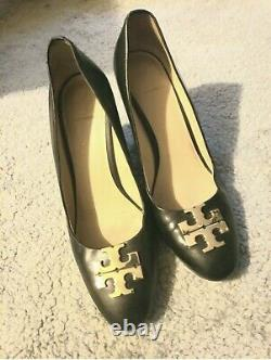 Tory Burch Wedge Black Leather Heels Shoes Gold Logo 8 med